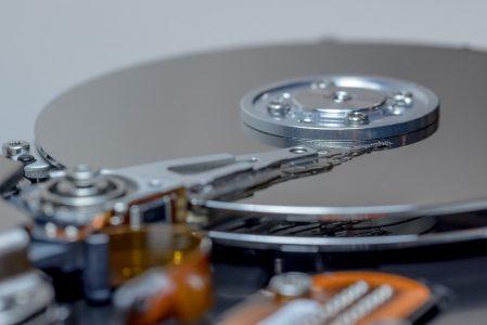 """NAND 3D QLC, """"L' inizio della fine"""" degli HDD tradizionali?"""